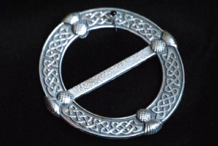 "Ladycrow Pewter Scarf Ring ""Celtic Knot with Thistles"""